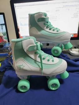 Roller Derby FireStar  Quad roller Skates  green and white S
