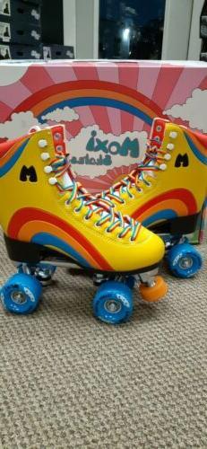Brand New Moxi Rainbow Rider Roller Skates Yellow Size 5 Wom