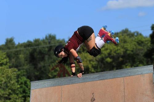 Roller Elite Girl Carlin Roller Skates, Raspberry, Size 10