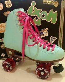 New moxi beach bunny Quad roller skates Blue Sky Pink Sparkl