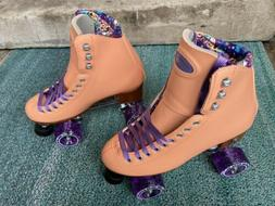 NEW Moxi Beach Bunny roller skates quads Size 7 Peach Blanke