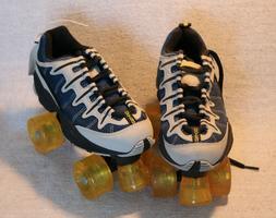 OXYGEN QUAD ROLLER SKATES Boys' Size 1 ~ Girls' size 3 ~ **B